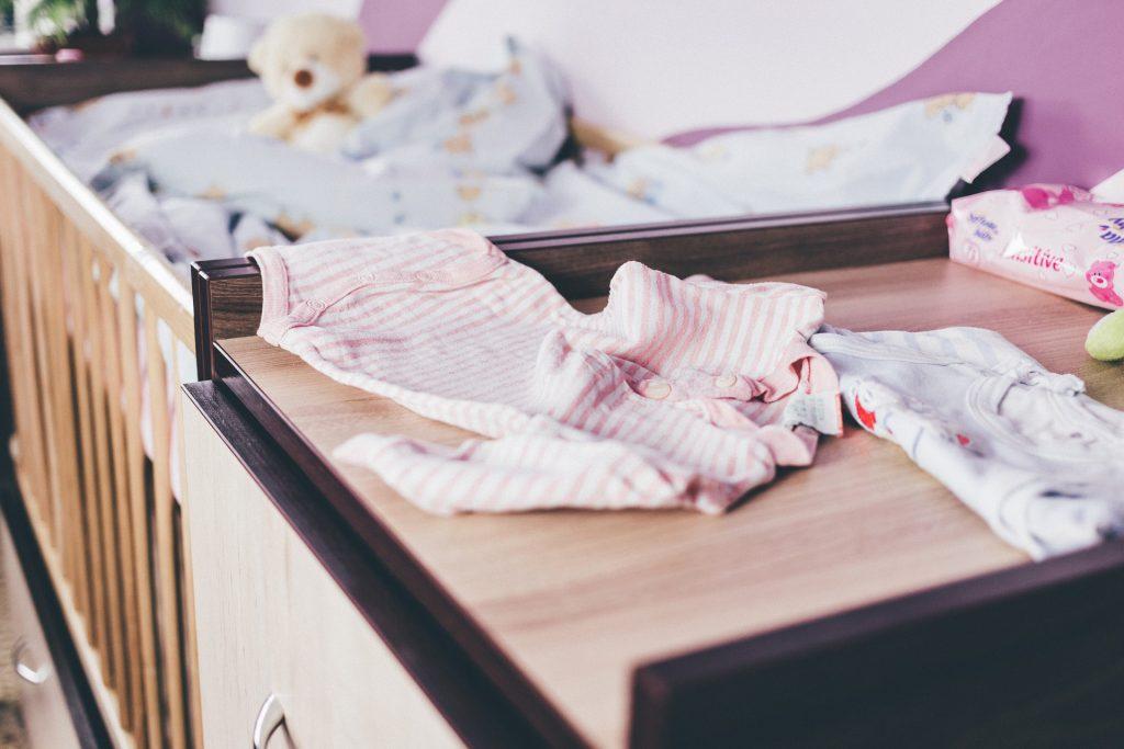 Perlengkapan bayi baru lahir yang belum perlu dibeli.